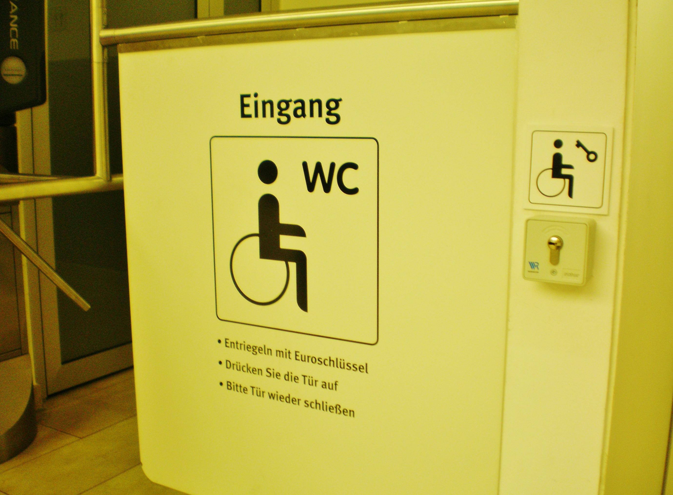 aktive f rderung behinderter menschen e v rollstuhlgerechte toiletten gestestet in bremerhaven. Black Bedroom Furniture Sets. Home Design Ideas